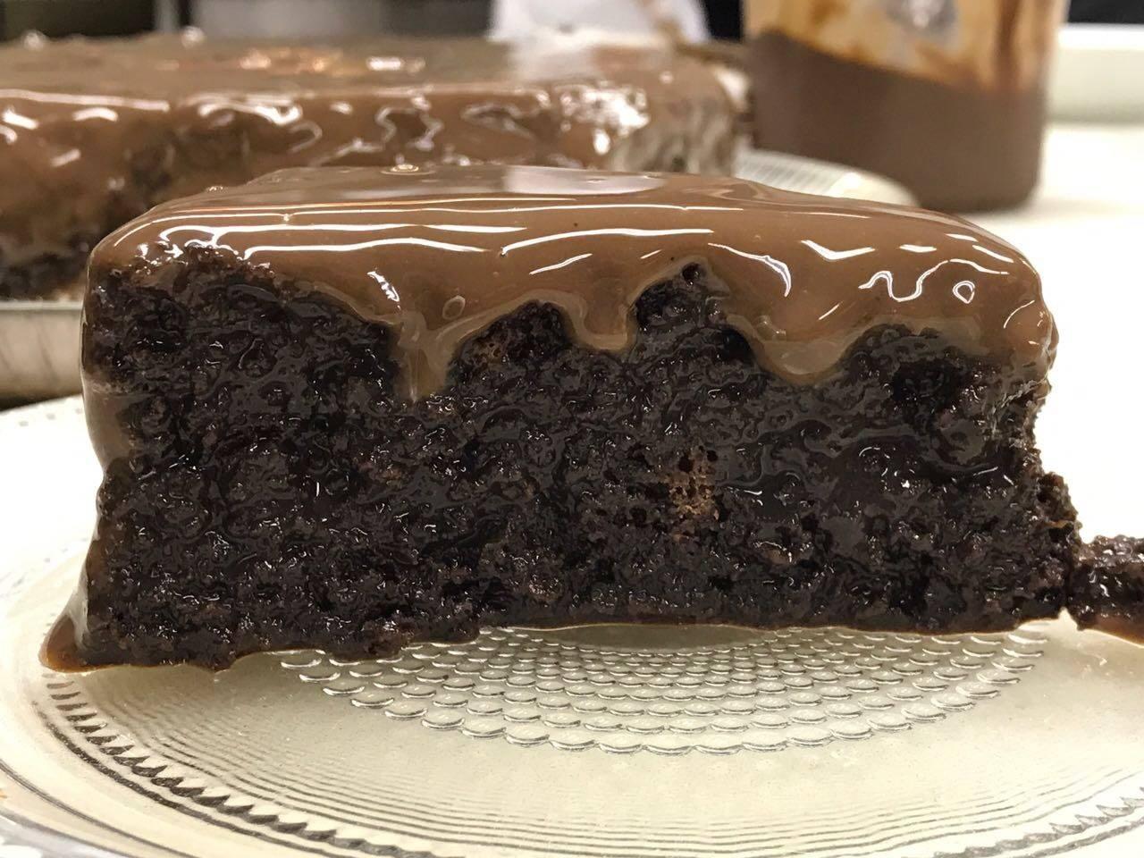 Bolo molhadinho de Chocolate (Receita maravilhosa)