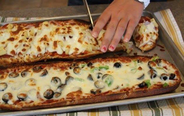 Pizza rápida e fácil com Pão francês (Receita deliciosa)