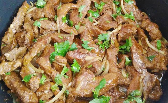 Bife de Fígado Acebolado: Receita simples e deliciosa!