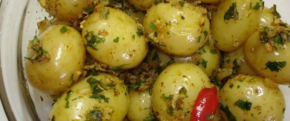 Salada de Batata Bolinha: Receita prática e saborosa!