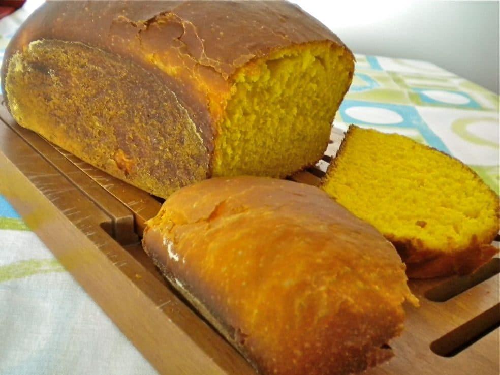 Pão de Cenoura fácil: Opção para acompanhar o Café!