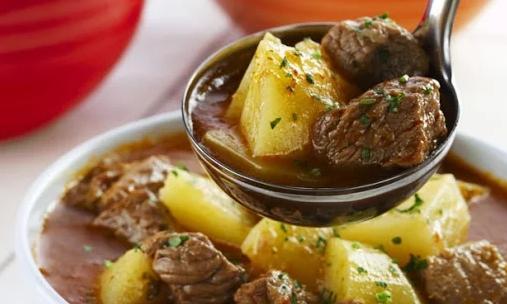 Carne de Panela com batatas (Receita simples e deliciosa)