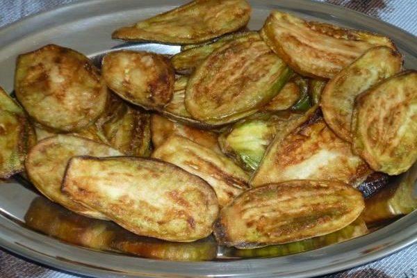 Jiló Frito com Maionese de Alho (Receita fácil e deliciosa)