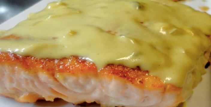 Salmão ao molho de queijo cremoso (Receita maravilhosa)