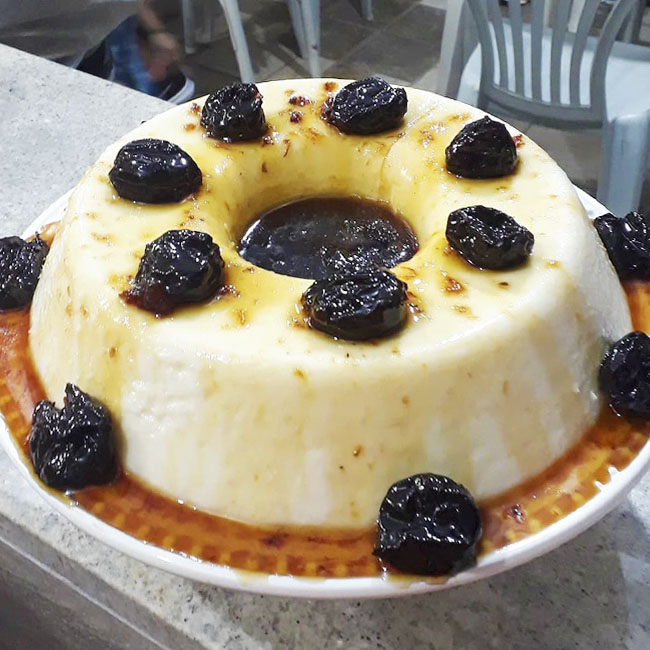 Manjar Branco com Ameixa: Receita fácil e deliciosa!