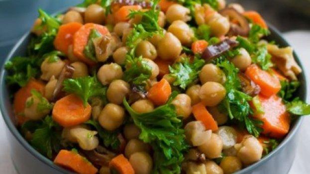 Salada de Grão de Bico simples (Receita maravilhosa)