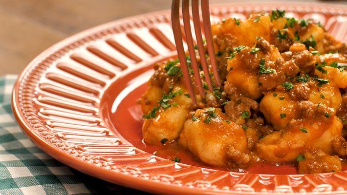 Nhoque de batata com carne moída: Sugestão pra sua refeição!
