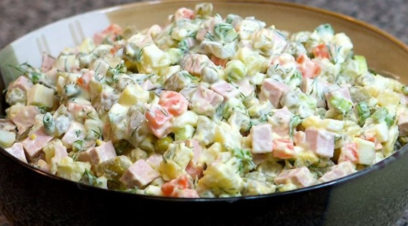 Salada de Maionese completinha (Receita maravilhosa)