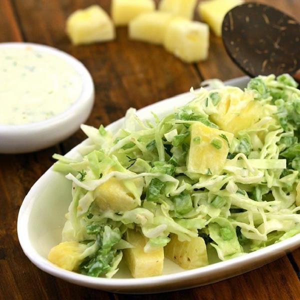 Salada de repolho com abacaxi: Receita leve e saborosa!