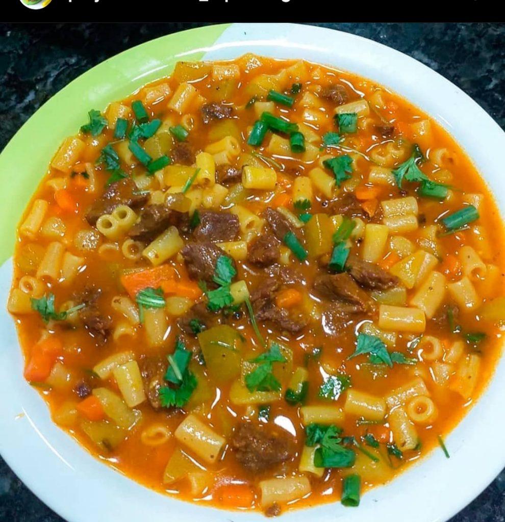 Sopa com gostinho de Casa de Vó: Receita fácil e deliciosa!