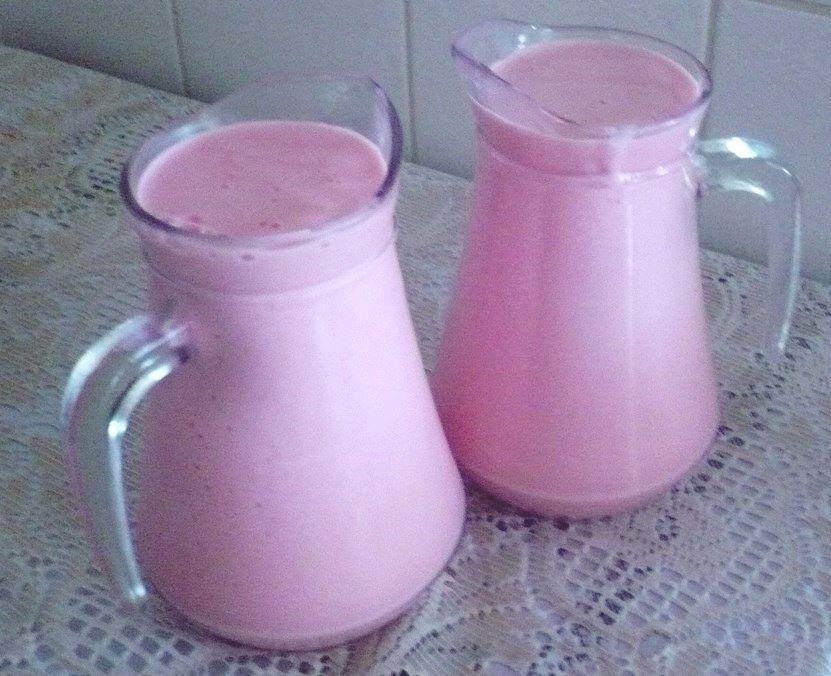Iogurte de Morango caseiro: Receita fácil e deliciosa!