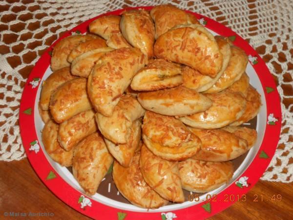 Pastelzinho de forno com guaraná: Sugestão para o lanche da tarde!