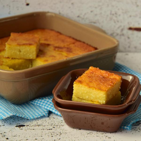 Bolo de Mandioca crua ralada: Receita fácil e deliciosa!