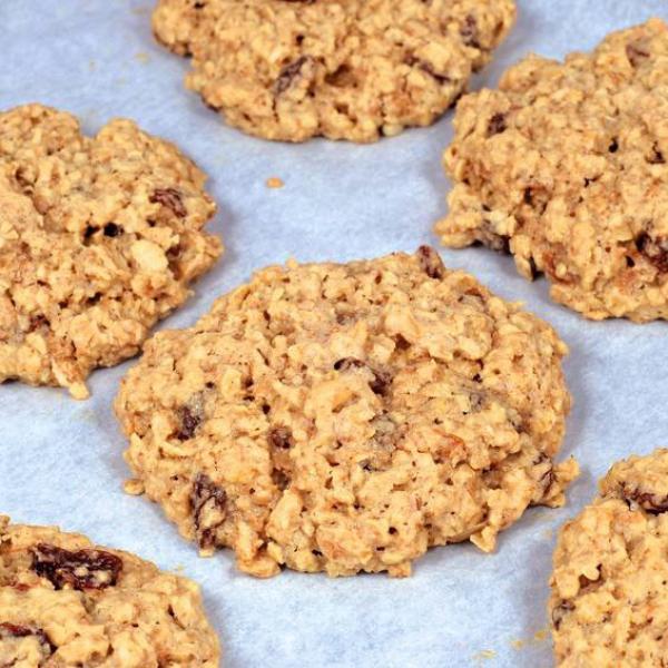 Biscoitos de Aveia com passas: Receita simples e deliciosa!